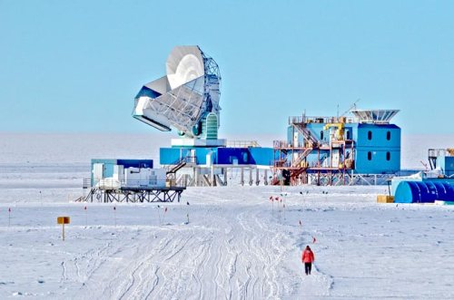 Cosmology observatory at the South Pole, including the South Pole Telescope (SPT) on the left and BICEP2 on the right. [Credit: Stephen Hoover/University of Chicago]